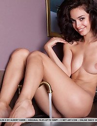 Helen H nude in erotic..