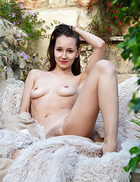 Megan Muse nude in erotic..