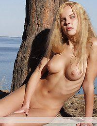 Adorable aurous punter fro..